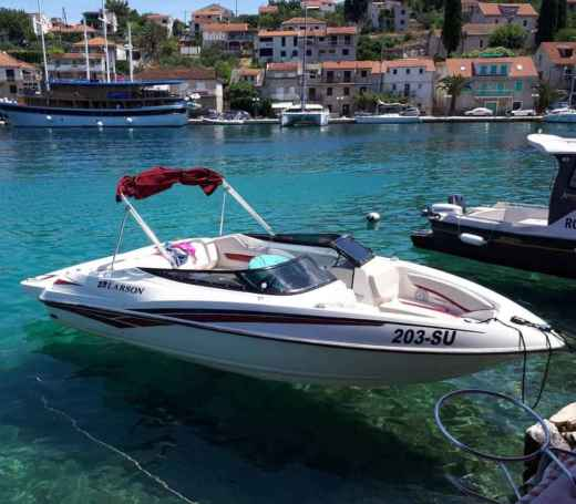 Motorboat Larson Senza 186 for hire