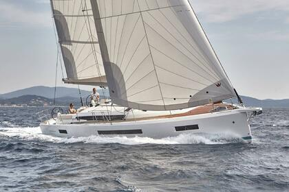 Charter Sailboat JEANNEAU SUN ODYSSEY 490 Portisco