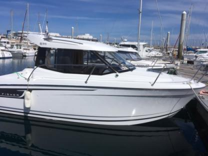 Rental Motorboat Jeanneau Merry Fisher 6.95 Saint-Quay-Portrieux