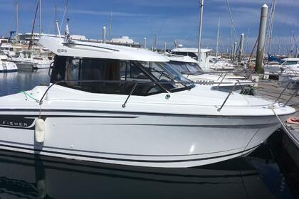Hire Motorboat JEANNEAU merry fisher 6.95 Saint-Quay-Portrieux