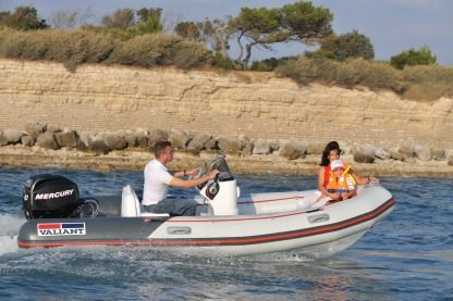 Rental RIB Valiant V450 Sport Saint-Cloud