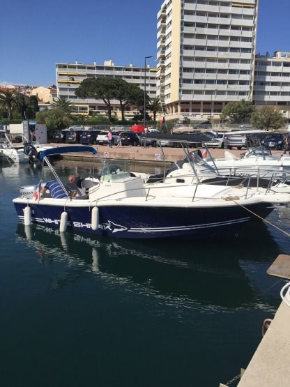 Rental Motorboat Kelt White Shark 225 Sainte-Maxime