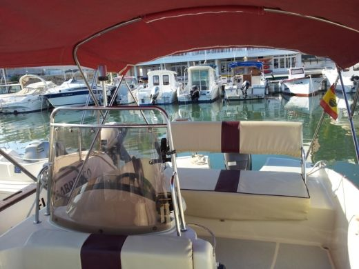 Charter motorboat in Torrevieja peer-to-peer