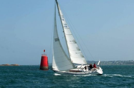 Sailboat Jeanneau Symphonie Q for hire