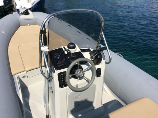 RIB CAPELLI Tempest 650 peer-to-peer