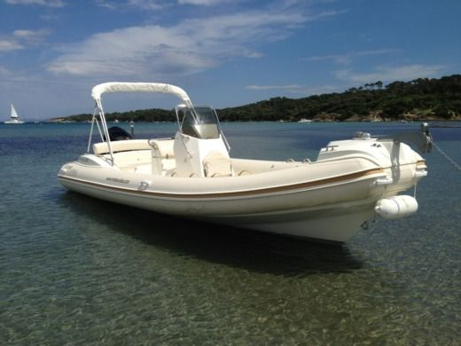 NUOVA JOLLY PRINCE 23 in Hyères for hire