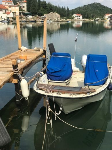 Rental Motorboat Boston Whaler Sl 16 Opuzen