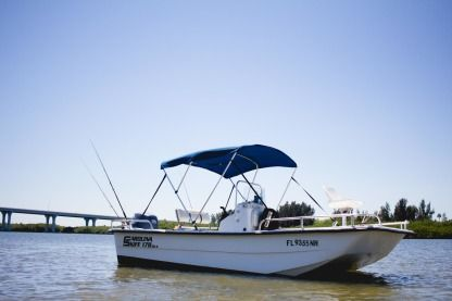 Rental Motorboat Carolina Skiff 1780 Dlx Vero Beach