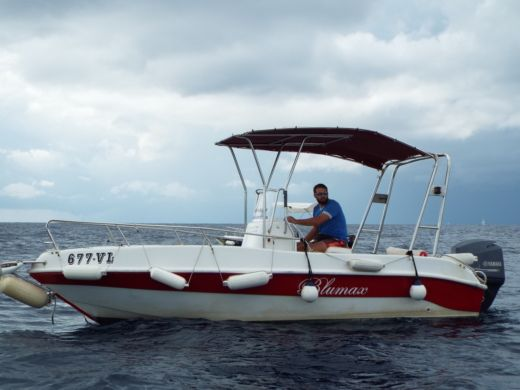 Motorboat Fisherman Blumax 550 for hire