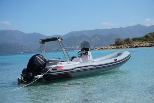 ITALBOATS Predator 650 TS in Saint-Florent peer-to-peer