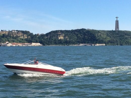 Motorboat Bayliner 1850 Ss Capri Bowrider for hire