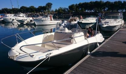 Rental Motorboat Quicksilver Avtiv 675 Open Carry-le-Rouet