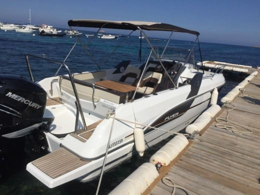 Beneteau Flyer 7 in Porto-Vecchio for hire