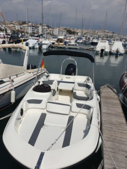 Charter Motorboat Bayliner E6 Altea