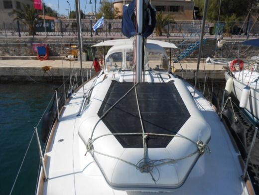 Charter sailboat in Lavrio