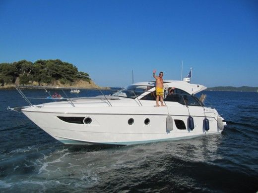 Motorboat BENETEAU FLYER GT 38 for hire