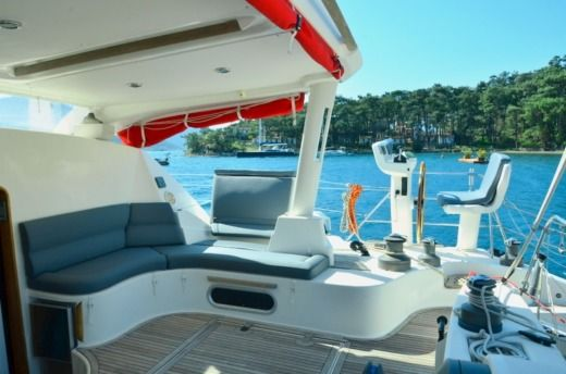 Charter catamaran in Porto-Vecchio peer-to-peer