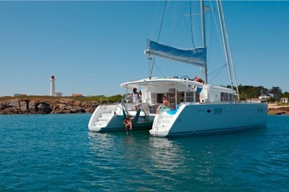 Rental Catamaran LAGOON 450 F BLUE BERRY Trogir