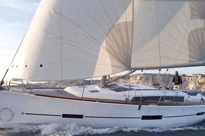 Hire Sailboat DUFOUR 500 pack performance Grimaud