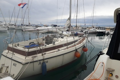 Hire Sailboat BAVARIA 890 Baška Voda