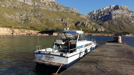 Charter motorboat in Can Picafort peer-to-peer