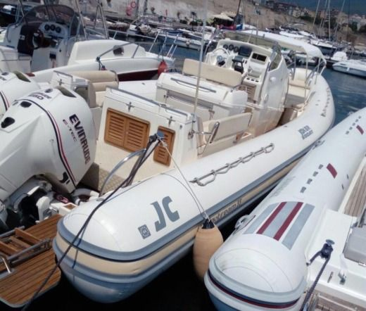 Joker Boat 33 in Castellammare di Stabia NA for hire