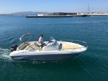 Charter Motorboat Beneteau Flyer 650 Open L'Estartit