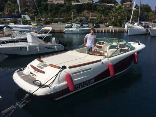 Motorboat Jeanneau Runabout for hire