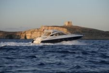 Charter motorboat in Birgu