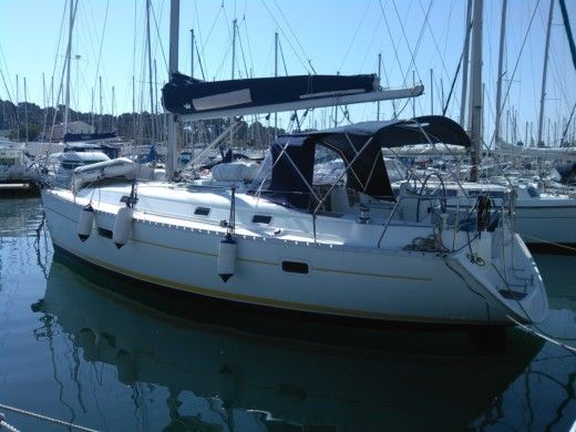 Sailboat Beneteau Oceanis 361 CLIPPER peer-to-peer