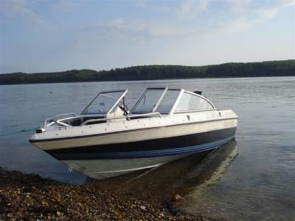 Charter Motorboat Four Winns 150 Porto