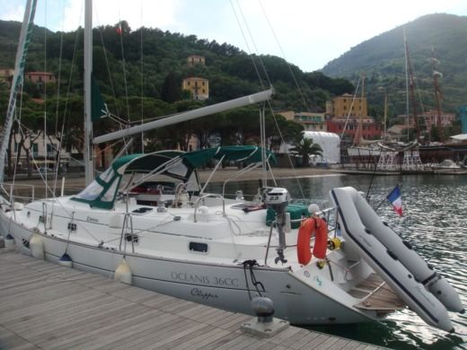 Sailboat Beneteau Oceanis 36 Cc peer-to-peer