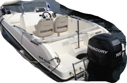 Charter Motorboat Quicksilver Open Activ 535 Marseille