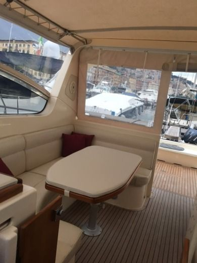 Motorboat Gagliotta 44 for hire