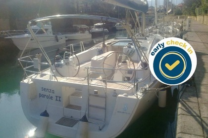 Hire Sailboat BENETEAU OCEANIS 40 Furnari
