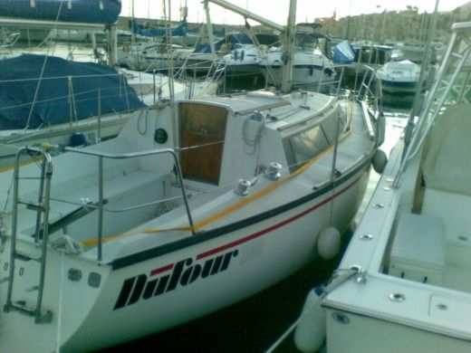 Sailboat Dufour 2800 peer-to-peer