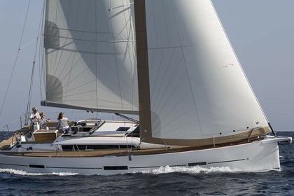 Charter Sailboat Dufour Yachts Dufour 460 GL with watermaker & A/C - PLUS Nassau
