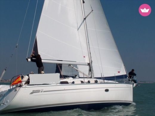 Sailboat CRUISER BAVARIA 38 peer-to-peer