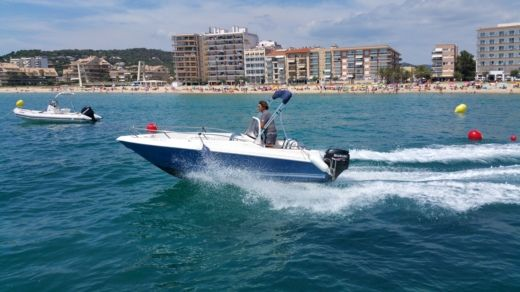 Quicksilver 5,5 Commander in Calella de Palafrugell for hire