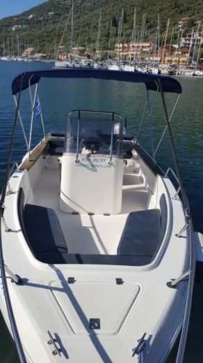 Motorboat Aiolos 19 F for hire