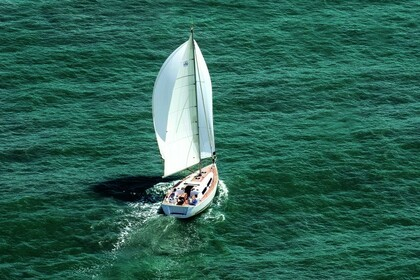 Hire Sailboat DUFOUR 375 Dalsbruk