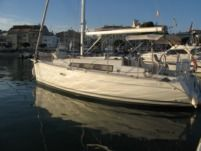 Beneteau Oceanis 31 in Cambrils for hire