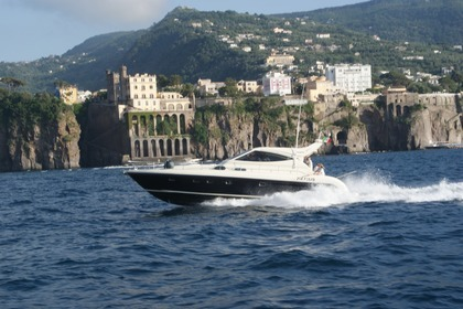 Charter Motorboat GIANETTI 50 HT Sorrento