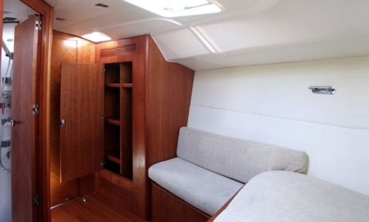 Sailboat Y Yachts Eminence 40 (2009) for hire