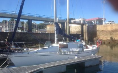 Rental Sailboat Beneteau First 305 Bénodet