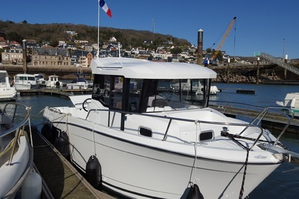 Charter Motorboat JEANNEAU merry fisher marlin 7 m Fécamp