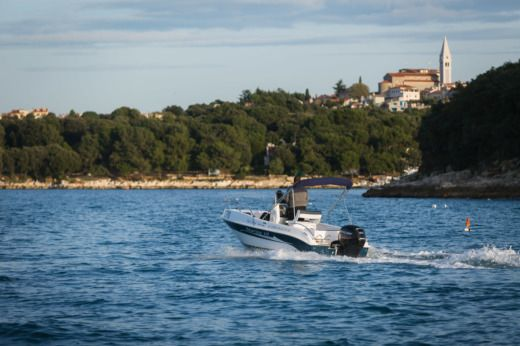 Charter motorboat in Vrsar
