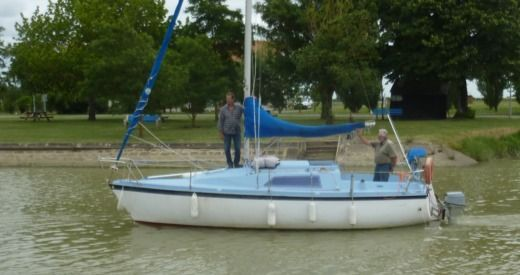 Aloa Marine 25 in Mortagne-sur-Gironde for hire