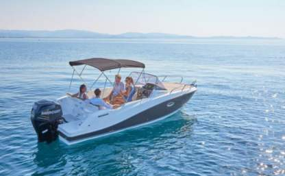 Charter Motorboat Quicksilver Activ 675 Open Carry-le-Rouet