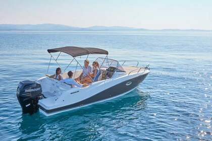 Rental Motorboat QUICKSILVER Activ 675 Open Carry-le-Rouet